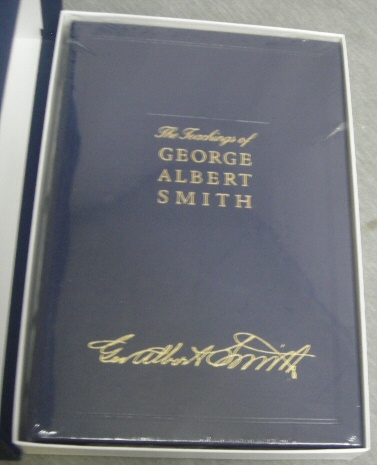 The Teachings of George Albert Smith (Church Employee Christmas Gift Edition) Leather Bound, Smith, George Albert and McIntosh, Susan (editor) ; McIntosh, Robert (editor)